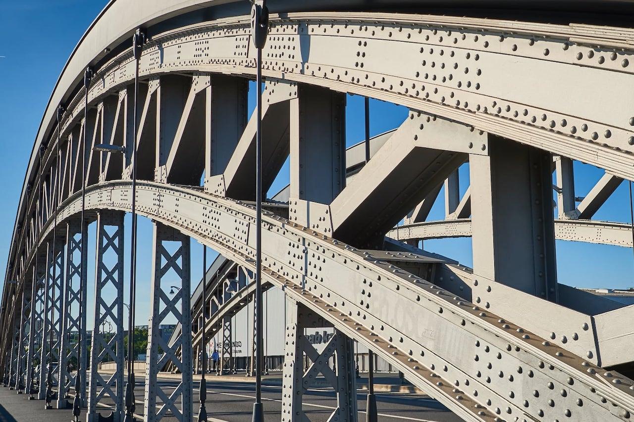construction pont métalique