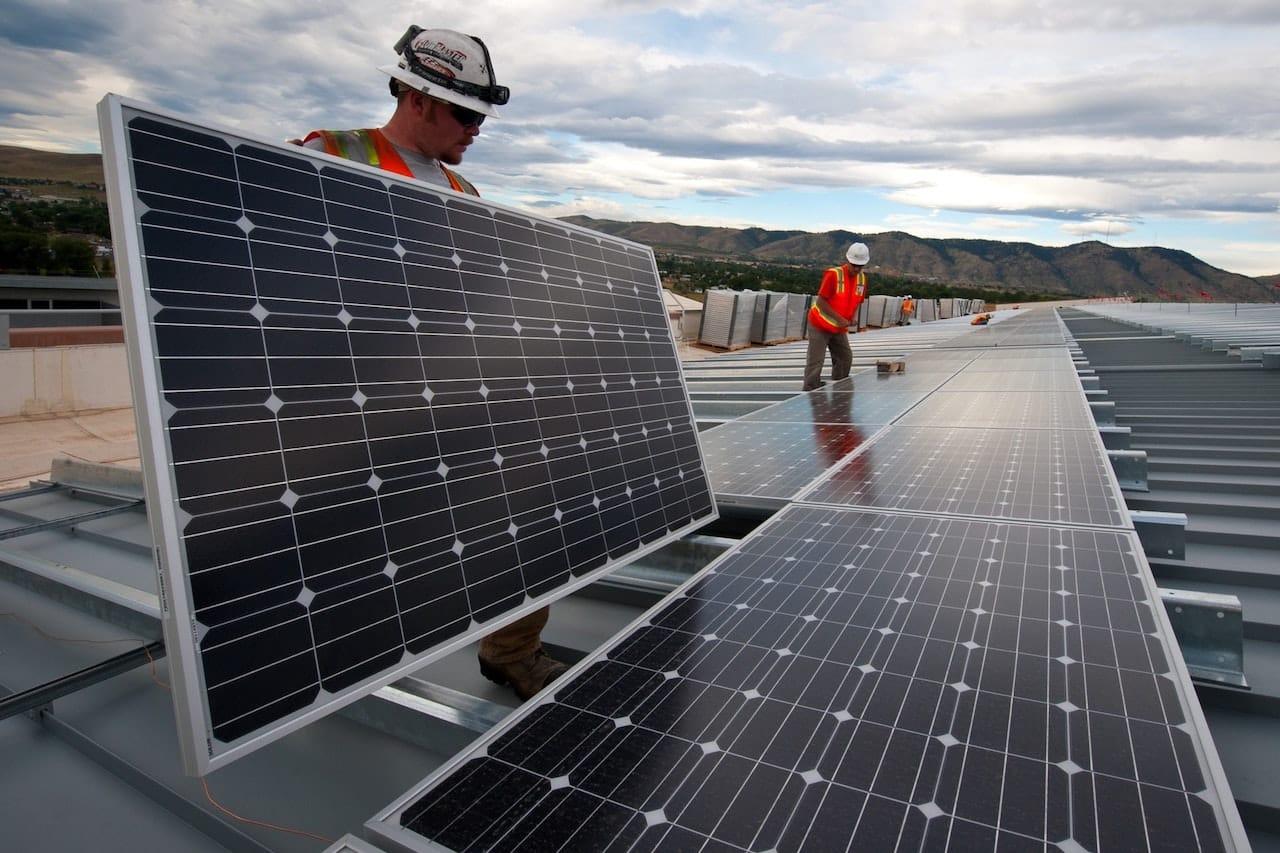 Ferme panneaux solaires Bitcoin