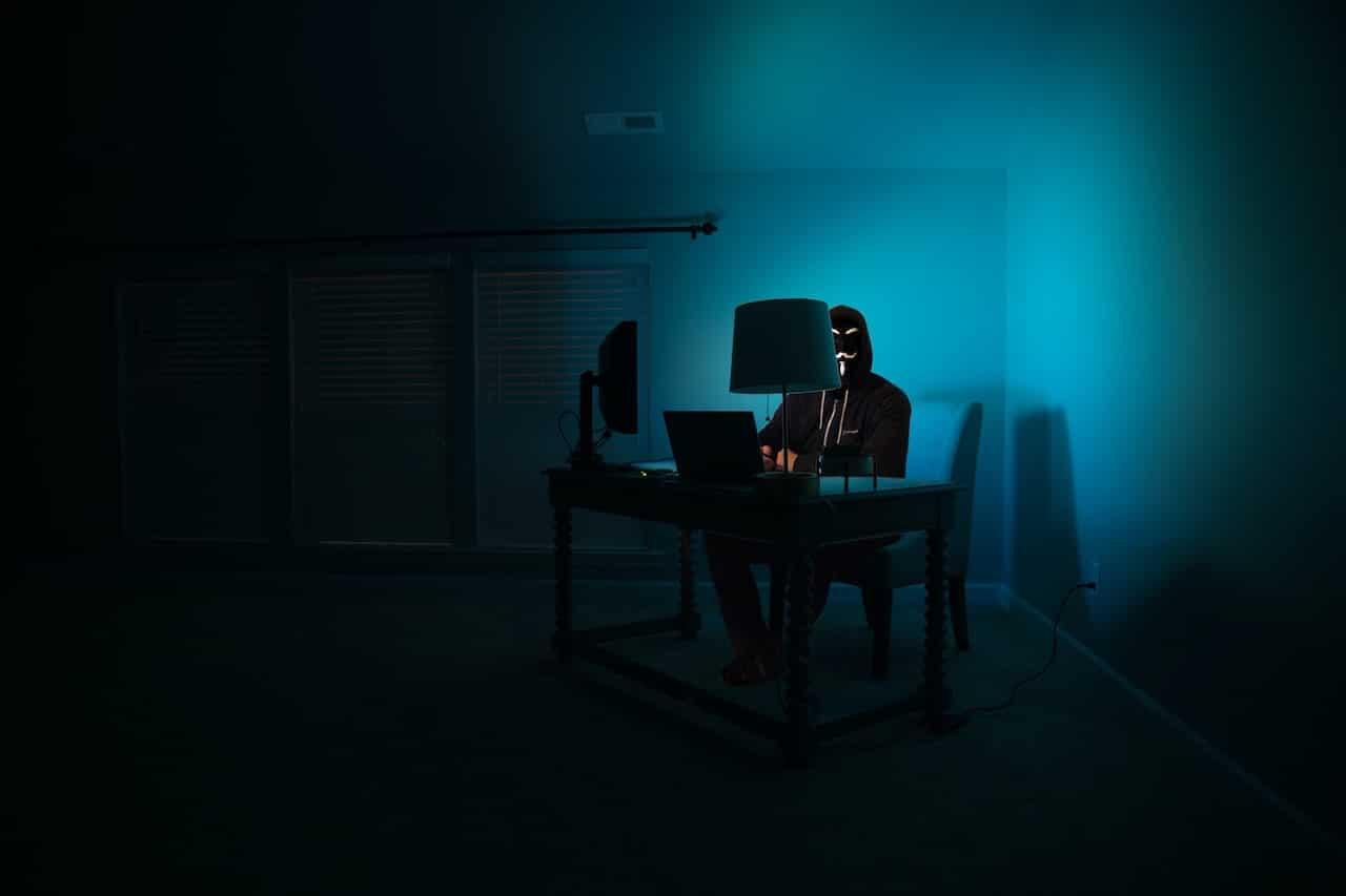 hacker pirate informatique