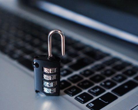 Fraude bancaire, pirate informatique