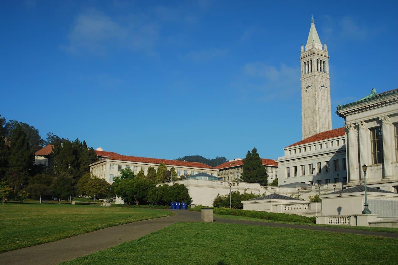 Université Berkeley, éducation financière décentralisée